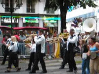 Fanfare en vadrouille - Fête des fleurs - Luchon 2004