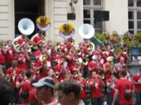 Fanfare à l'hotel de ville - fête des fleurs - luchon 2004