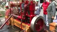 1898 12 HP 20th Century marine engine - YouTube